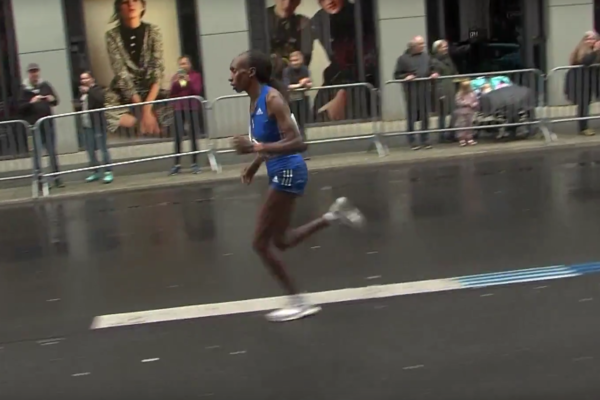 Gledy Cherono was the fastes woman in the marathon; Source: Youtube / SCC Events